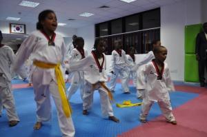 KOCIS_Taekwondo_class_in_Nigeria_(5841292076)