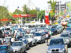 1Fuel-scarcity-queue