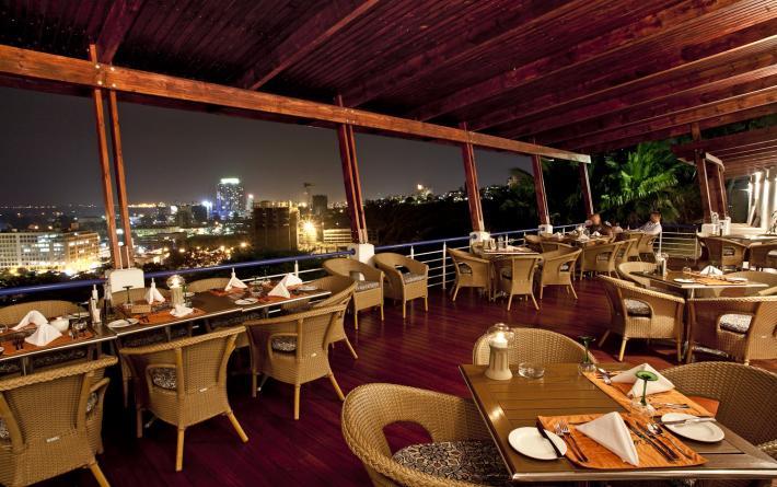 hotel-cardoso-maputo-restaurant