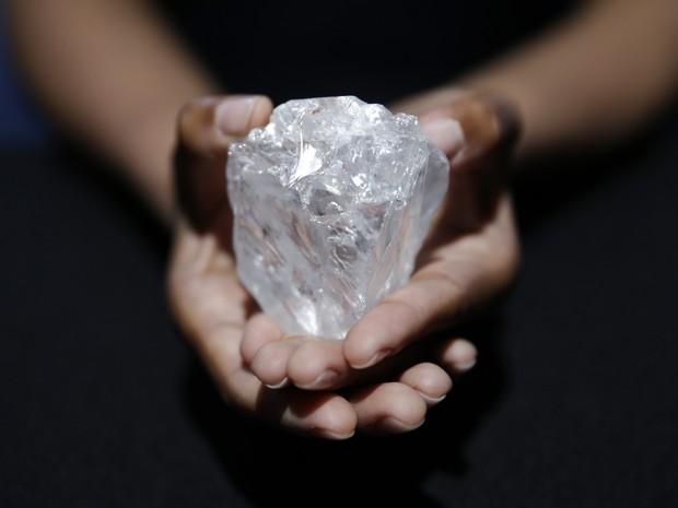 aptopix_huge_diamond_fran