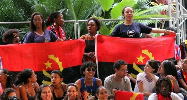 estudantes-angola-1