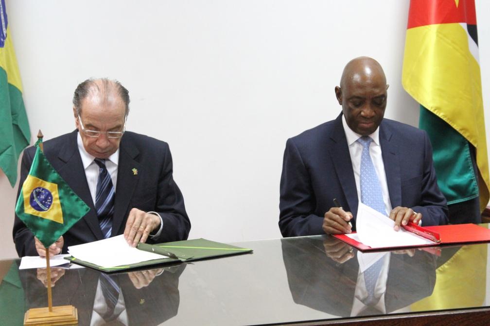 34476371852_d2fc4446b9_b encontro com ministro dos negocios de moçambique.jpg