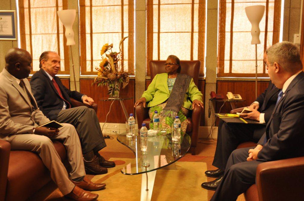 minitra das relações da namibia